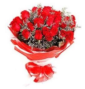 çiçek siparişi bursa  12 adet kırmızı güllerden görsel buket