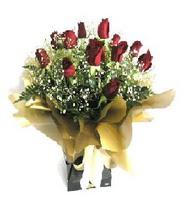 Bursa çiçek çiçekçi  11 adet kirmizi gül  buketi