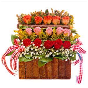 sandikta 3 kat güllerden   Bursa çiçek gönder