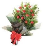 12 adet kirmizi gül buketi   Bursaya çiçek siparişi
