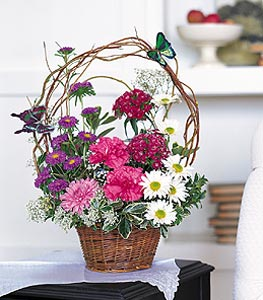 Bursa çiçek gönder  sepet içerisinde karanfil gerbera ve kir çiçekleri