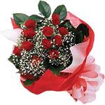 Bursadaki çiçekçiler  KIRMIZI AMBALAJ BUKETINDE 12 ADET GÜL
