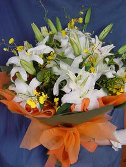 Bursadaki çiçekçiler  5 ADET KAZABLANKA BUKETI KALITEDEN SASMAYANLARA