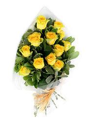 Bursaya çiçek siparişi vermek  12 li sari gül buketi.