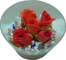 Bursa çiçek gönder  5 adet gül ve cam tanzimde çiçekler