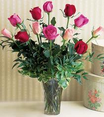 çiçek siparişi bursa  12 adet karisik renkte gül cam yada mika vazoda