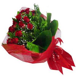Bursa çiçek gönderme merkezi  12 adet kirmizi essiz gül buketi - SEVENE ÖZEL