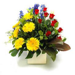 Bursa çiçek yolla   9 adet gül ve kir çiçekleri cam yada mika vazoda