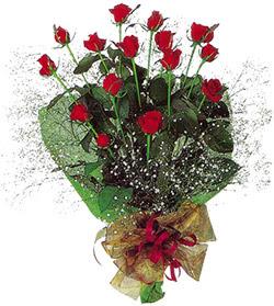 11 adet kirmizi gül buketi özel hediyelik  Bursaya çiçek siparişi