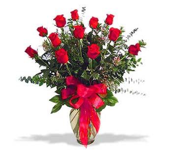 çiçek siparisi 11 adet kirmizi gül cam vazo  Bursa çiçek yolla