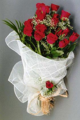 10 adet kirmizi güllerden buket çiçegi  Bursa çiçek satışı