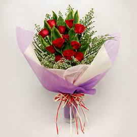 çiçekçi dükkanindan 11 adet gül buket  Bursaya çiçek siparişi