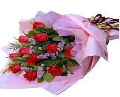 11 adet kirmizi güllerden görsel buket  Bursa cicekci bursaya çiçek yolla
