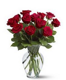 Bursa cicekci bursaya çiçek yolla  cam yada mika vazoda 10 kirmizi gül
