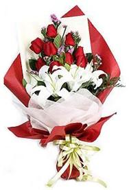 Çiçekçi Bursa  9 adet gül 2 adet kazablanka buketi
