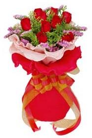 Bursa çiçek gönder  8 Adet kirmizi güllerden buket tanzimi