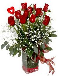 Bursa çiçek siparişi  9 adet mika yada cam vazoda gül tanzimi kalp çubuk