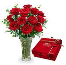Bursaya çiçek siparişi  10 adet cam yada mika vazoda gül çikolata
