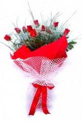 Bursa çiçek çiçekçi  9 adet kirmizi gül buketi demeti