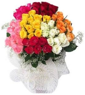 Bursaya çiçek yolla  51 adet farklı renklerde gül buketi