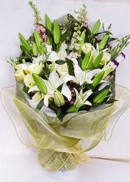 Bursa online çiçek siparişi  3 adet kazablankalardan görsel buket çiçeği