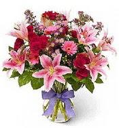 Vazo içerisinde karışık mevsim çiçeği  Bursa çiçekçisi hediye çiçek yolla
