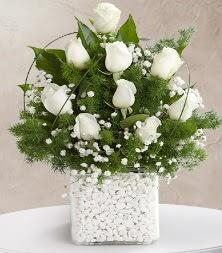 9 beyaz gül vazosu  bursa çiçekçiler çiçek satışı