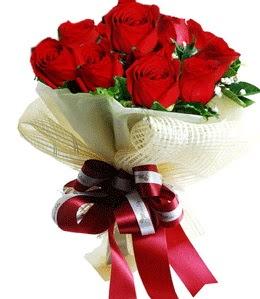 9 adet kırmızı gülden buket tanzimi  Bursa cicekci bursaya çiçek yolla
