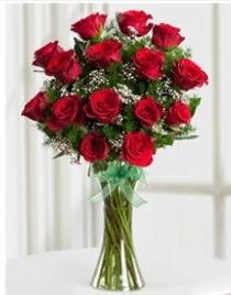 Cam vazo içerisinde 11 kırmızı gül vazosu  Bursa çiçek ucuz çiçek gönder