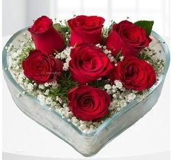 Kalp içerisinde 7 adet kırmızı gül  Bursa online çiçek siparişi