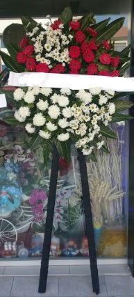 Cenaze çiçeği cenaze çiçek modelleri  Bursa çiçekçisi hediye çiçek yolla