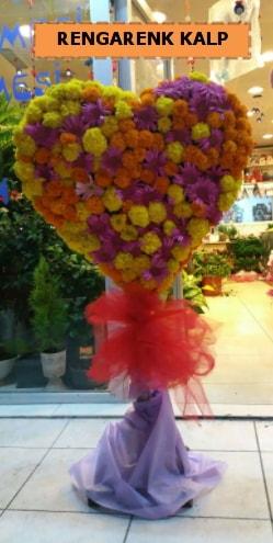 Ankara mevsim çiçeklerinden kalp perförje  Bursaya çiçek yolla