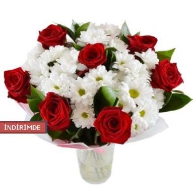 7 kırmızı gül ve 1 demet krizantem  Bursa cicekci bursaya çiçek yolla